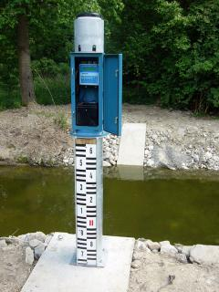 Combined gagin and rain gauge stations